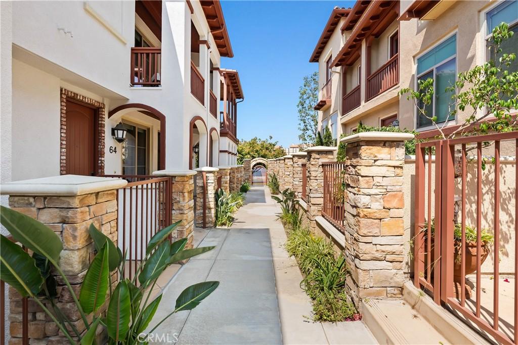 ActiveUnderContract | 64 Palos Verdes Boulevard Redondo Beach, CA 90277 18