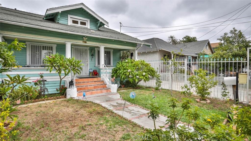 Active   1563 E 33rd Los Angeles, CA 90011 28