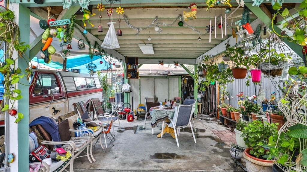 Active   1563 E 33rd Los Angeles, CA 90011 7