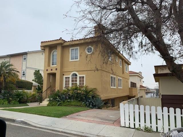 Closed | 2605 Voorhees Avenue #B Redondo Beach, CA 90278 1