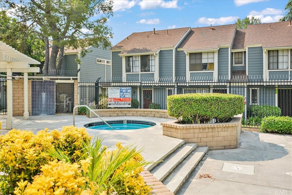 Pending   8724 Pine Crest Place Rancho Cucamonga, CA 91730 15
