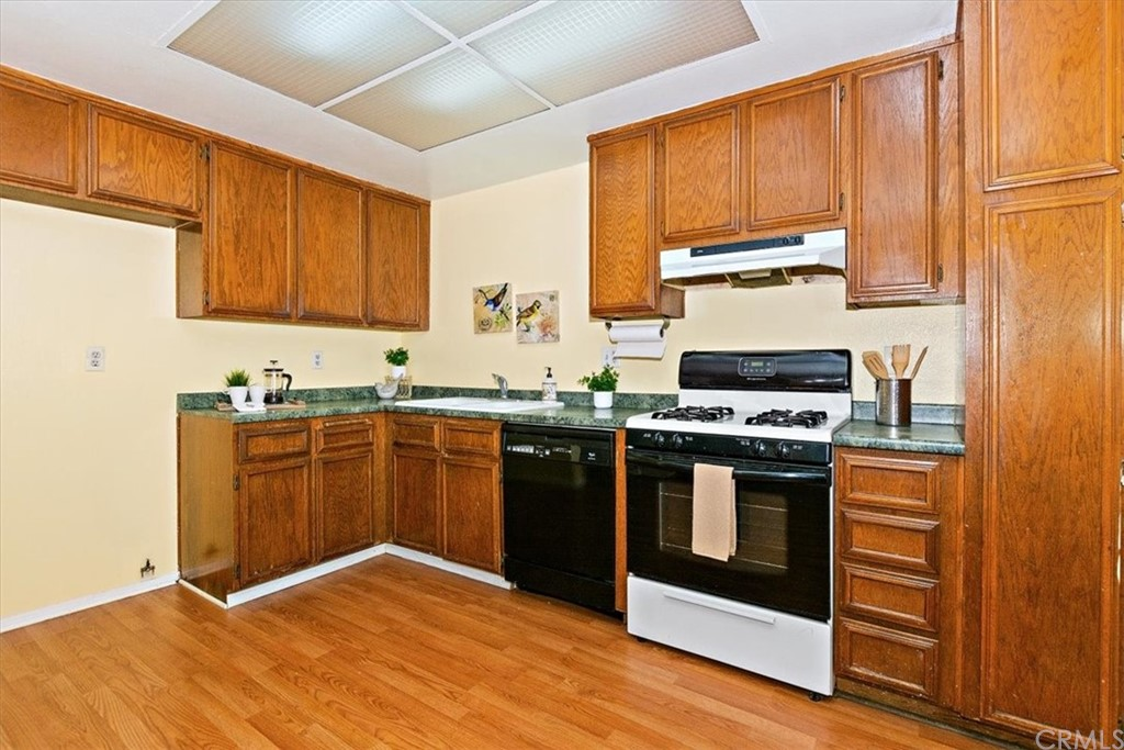 Pending   8724 Pine Crest Place Rancho Cucamonga, CA 91730 6