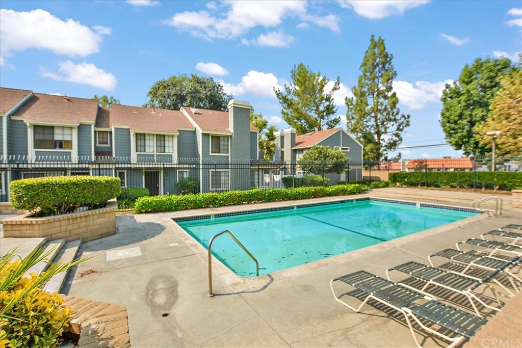 Pending   8724 Pine Crest Place Rancho Cucamonga, CA 91730 14