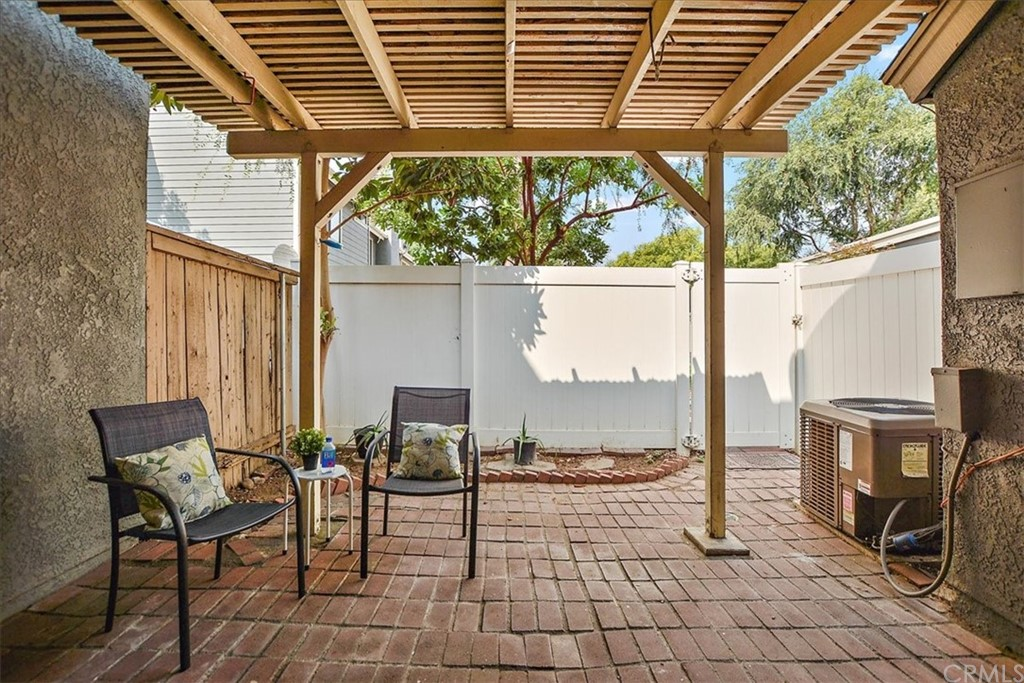 Pending   8724 Pine Crest Place Rancho Cucamonga, CA 91730 12