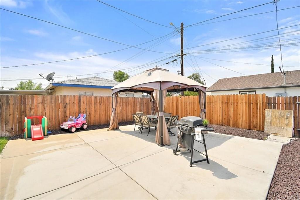 Closed | 951 Palm Drive Colton, CA 92324 15