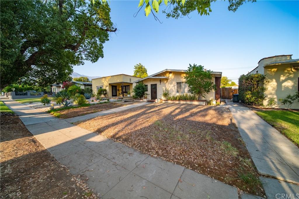 Pending | 1130 Wesley Ave Pasadena, CA 91104 4