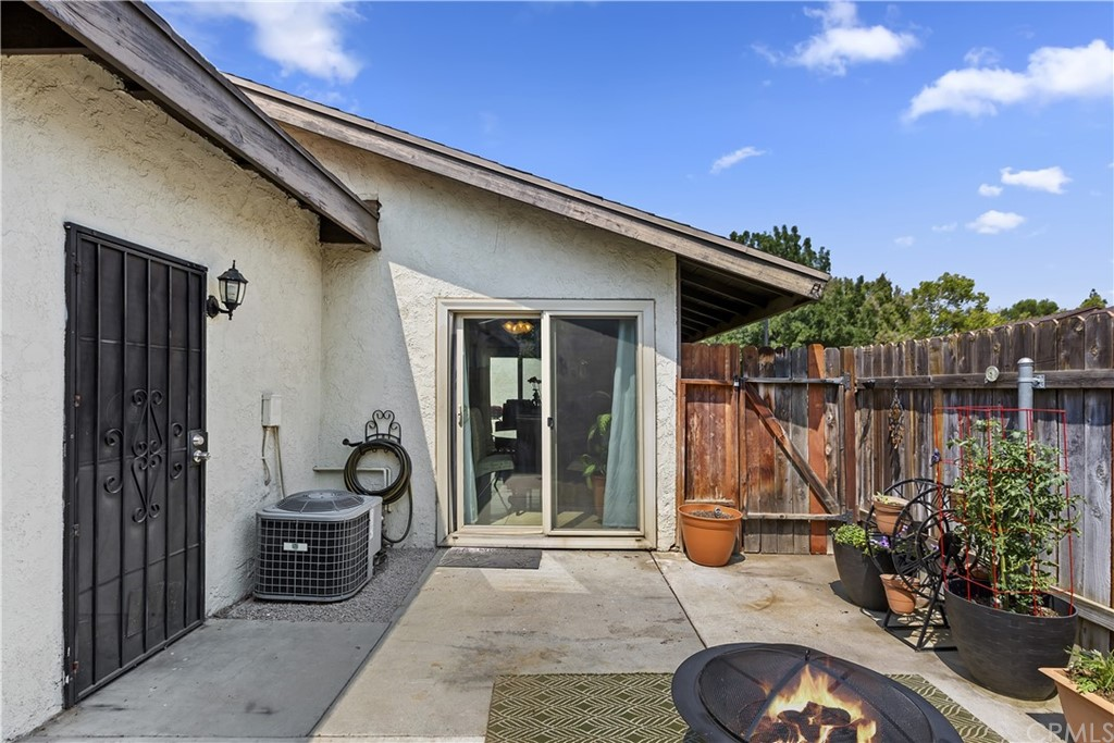 Closed | 4243 Kingsbury Place Riverside, CA 92503 18