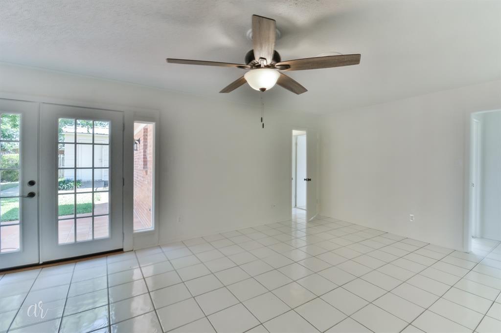 Pending   3225 High Meadows Drive Abilene, Texas 79605 15