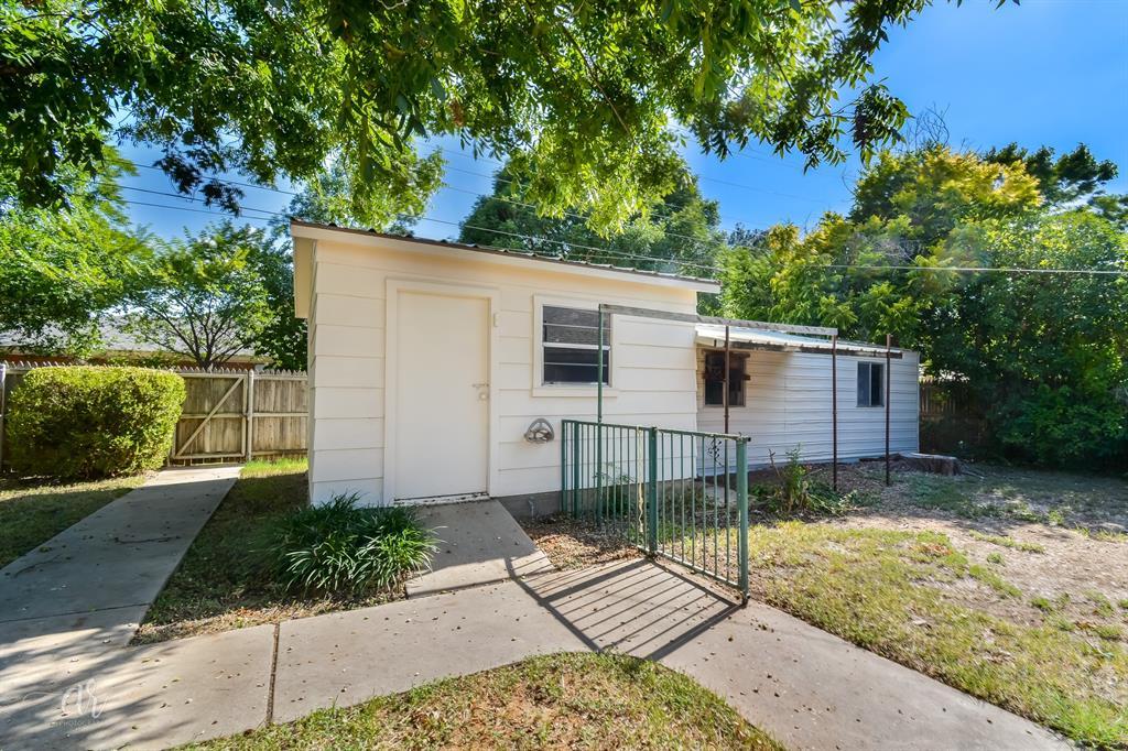 Pending   3225 High Meadows Drive Abilene, Texas 79605 32