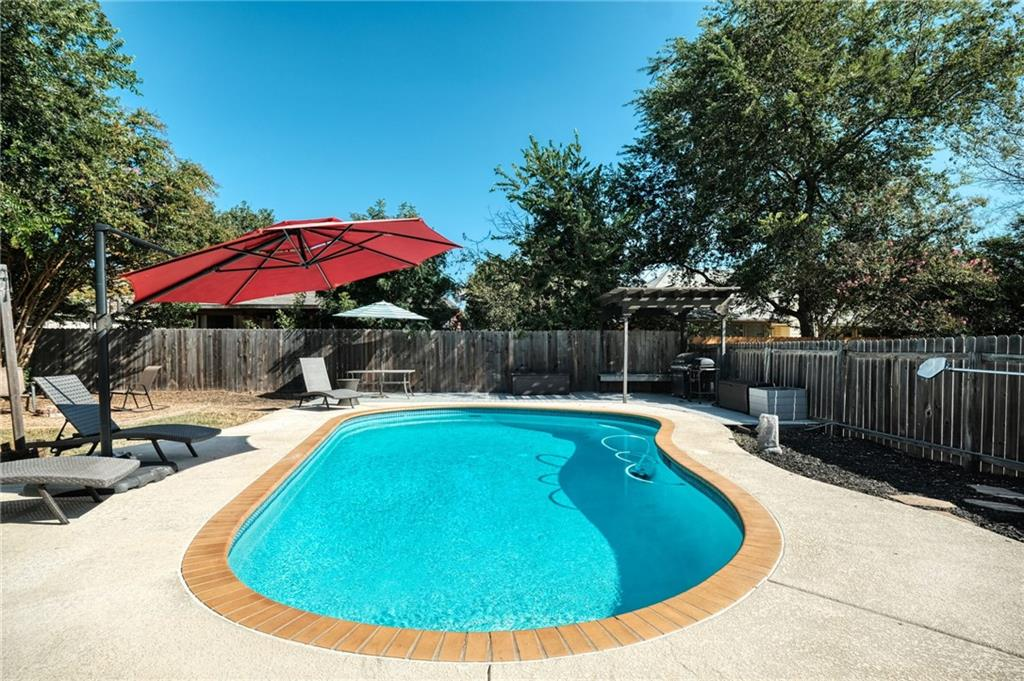 Closed   715 Spring Hollow Drive Leander, TX 78641 22