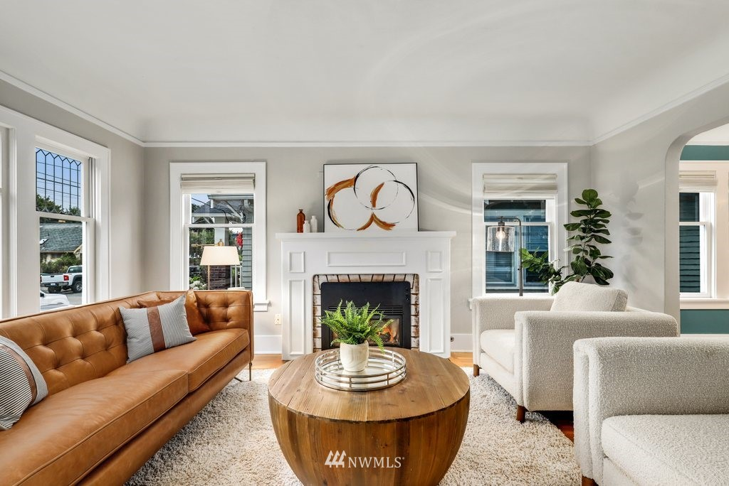 Sold Property | 819 NE 58th Street Seattle, WA 98105 4