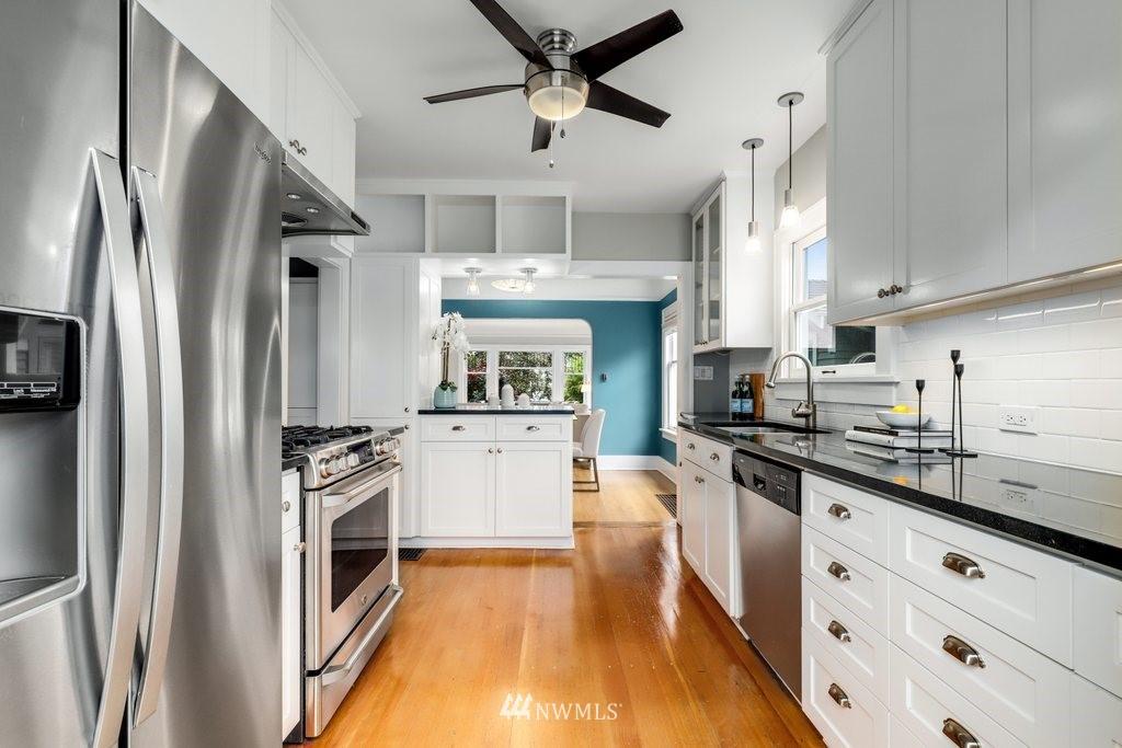 Sold Property | 819 NE 58th Street Seattle, WA 98105 12