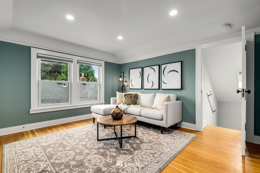 Sold Property | 819 NE 58th Street Seattle, WA 98105 17