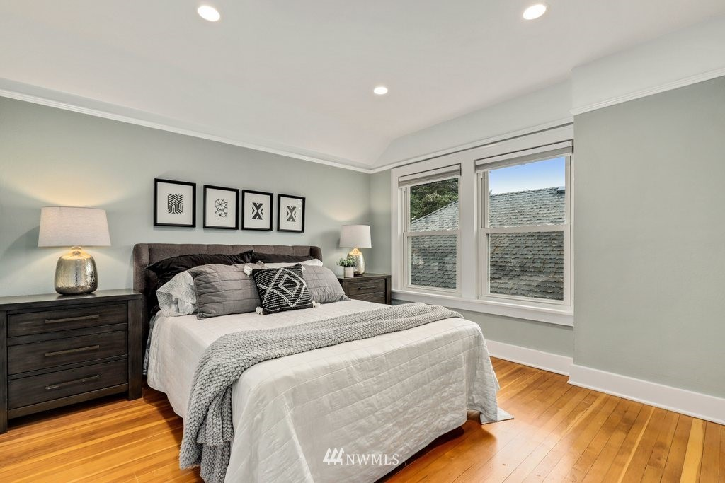 Sold Property | 819 NE 58th Street Seattle, WA 98105 21
