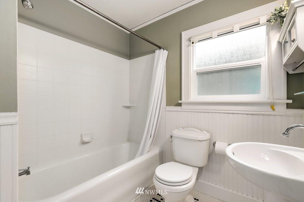 Sold Property | 819 NE 58th Street Seattle, WA 98105 26