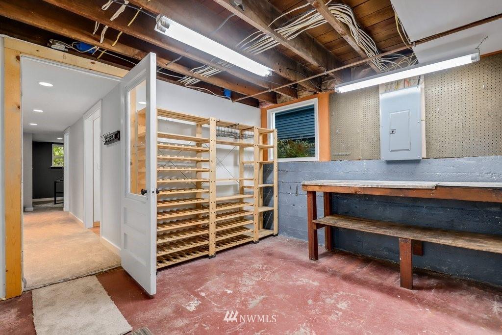 Sold Property | 819 NE 58th Street Seattle, WA 98105 32