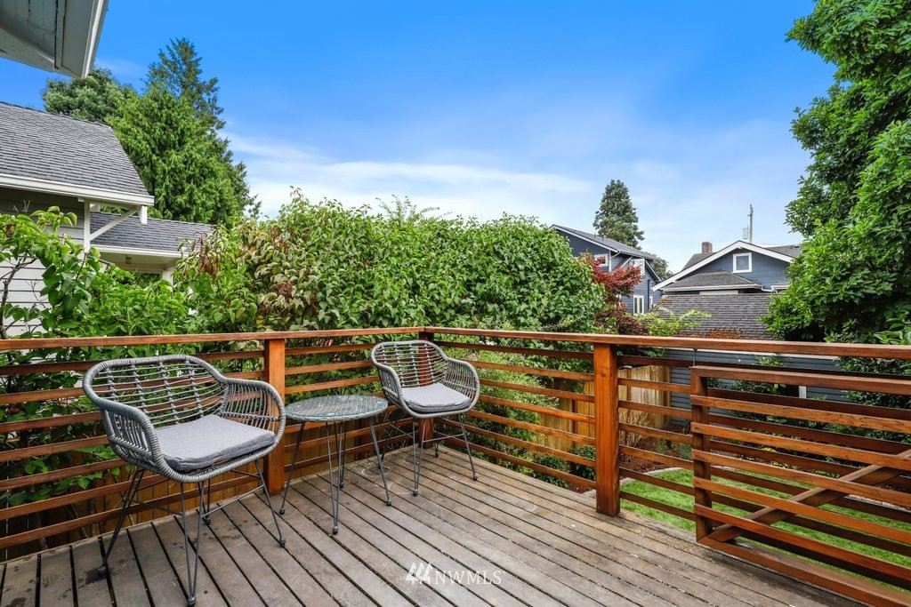 Sold Property | 819 NE 58th Street Seattle, WA 98105 33