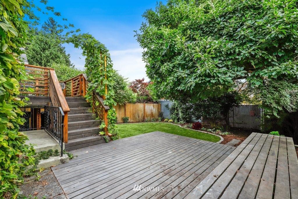Sold Property | 819 NE 58th Street Seattle, WA 98105 34