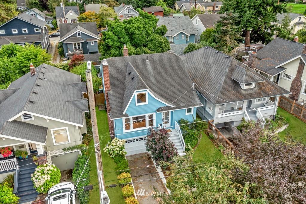 Sold Property | 819 NE 58th Street Seattle, WA 98105 39