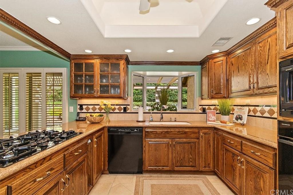 Pending | 5960 Layton Street Rancho Cucamonga, CA 91737 14