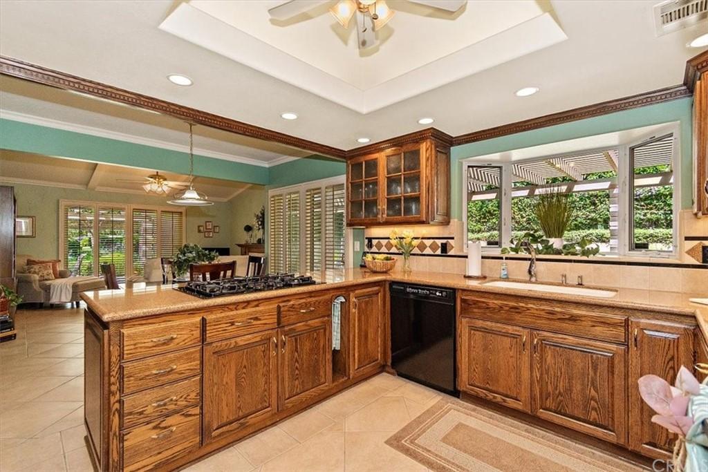 Pending | 5960 Layton Street Rancho Cucamonga, CA 91737 12