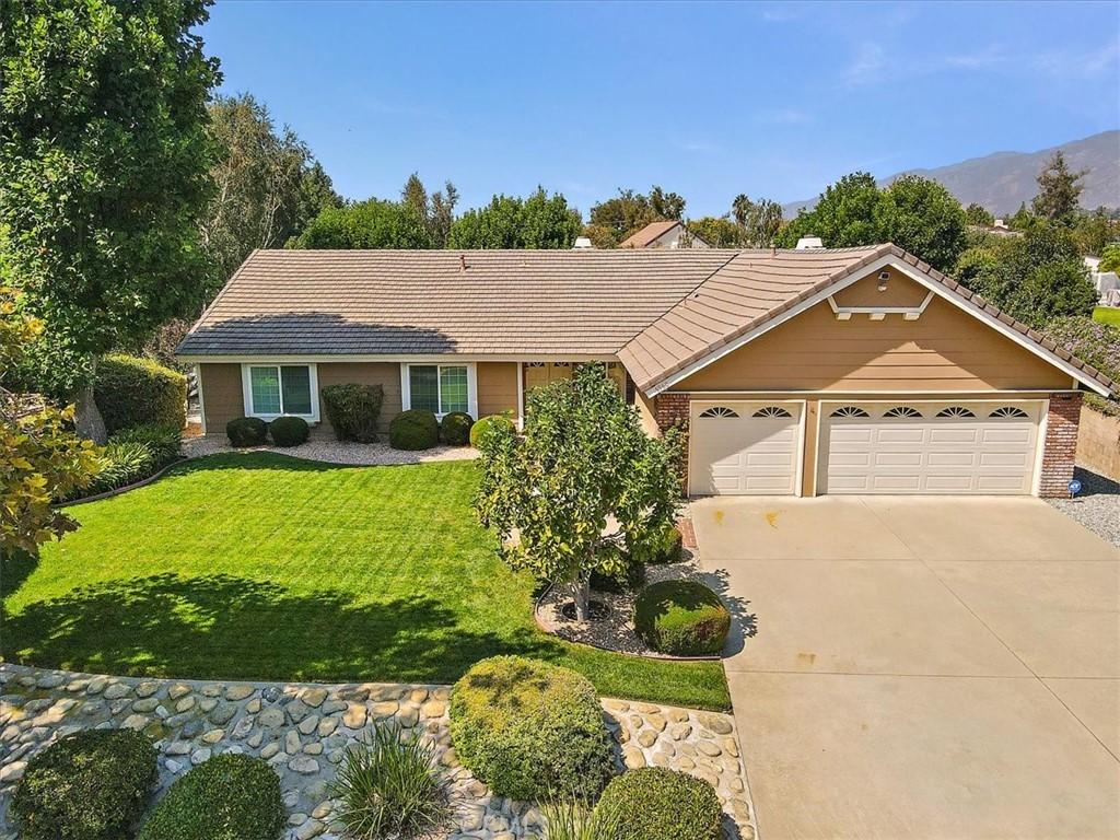 Pending | 5960 Layton Street Rancho Cucamonga, CA 91737 3