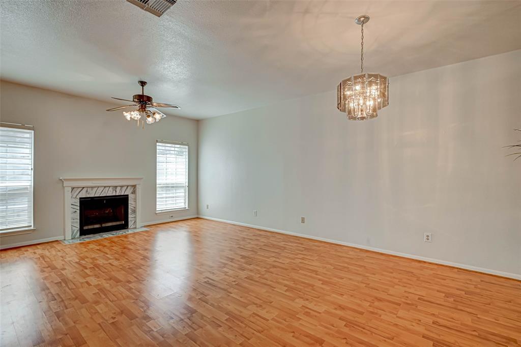 Option Pending   3062 Holly Hall Street Houston, Texas 77054 11