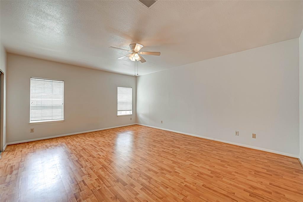 Option Pending   3062 Holly Hall Street Houston, Texas 77054 20