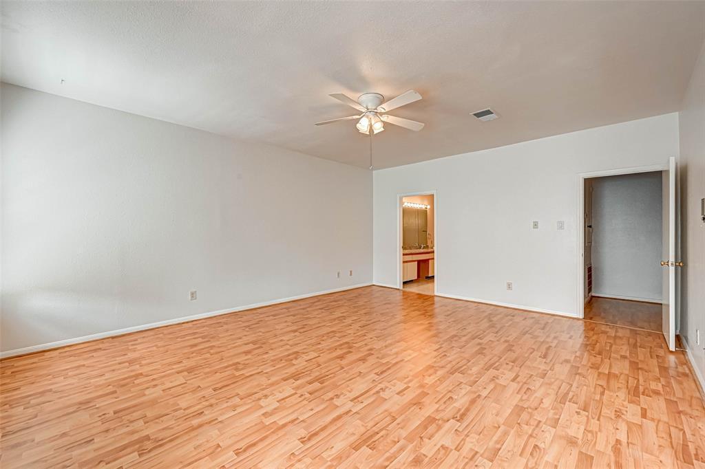 Option Pending   3062 Holly Hall Street Houston, Texas 77054 23
