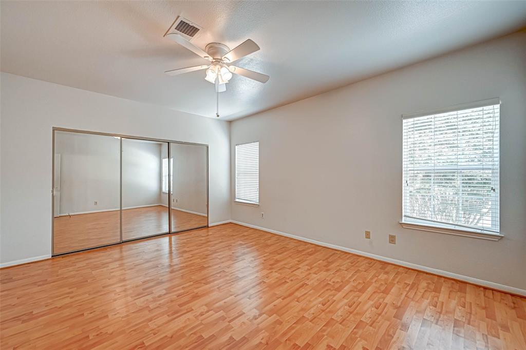 Option Pending   3062 Holly Hall Street Houston, Texas 77054 26