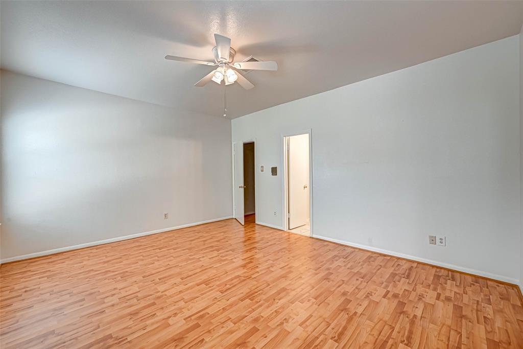 Option Pending   3062 Holly Hall Street Houston, Texas 77054 28