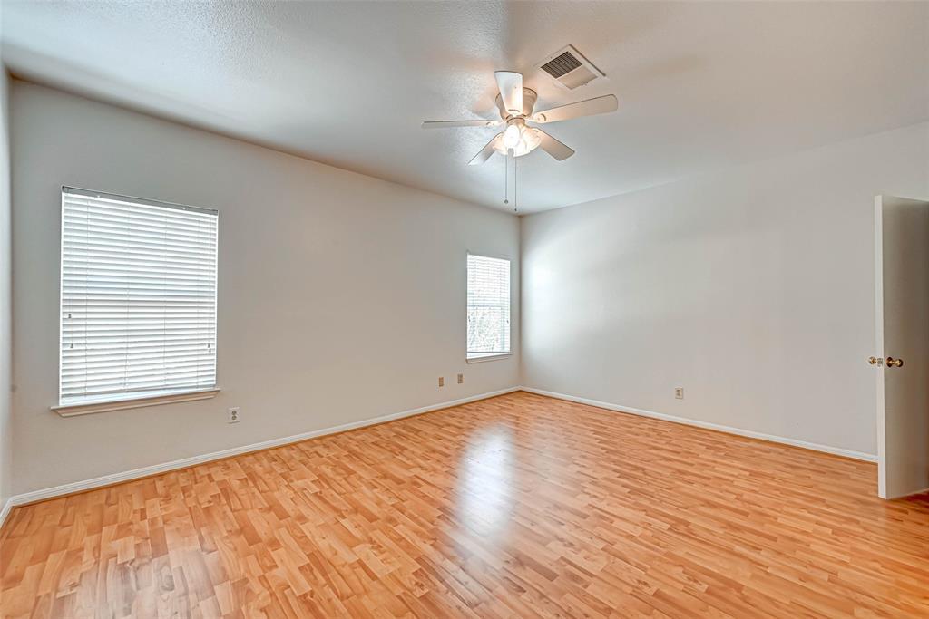 Option Pending   3062 Holly Hall Street Houston, Texas 77054 29