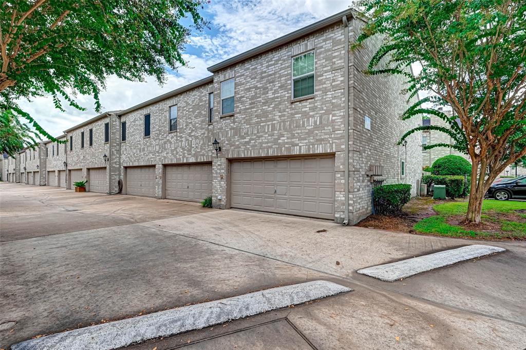 Option Pending   3062 Holly Hall Street Houston, Texas 77054 3