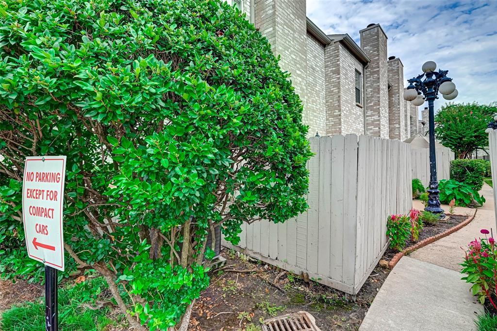 Option Pending   3062 Holly Hall Street Houston, Texas 77054 4