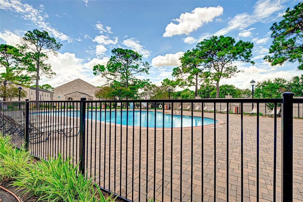 Option Pending   3062 Holly Hall Street Houston, Texas 77054 42