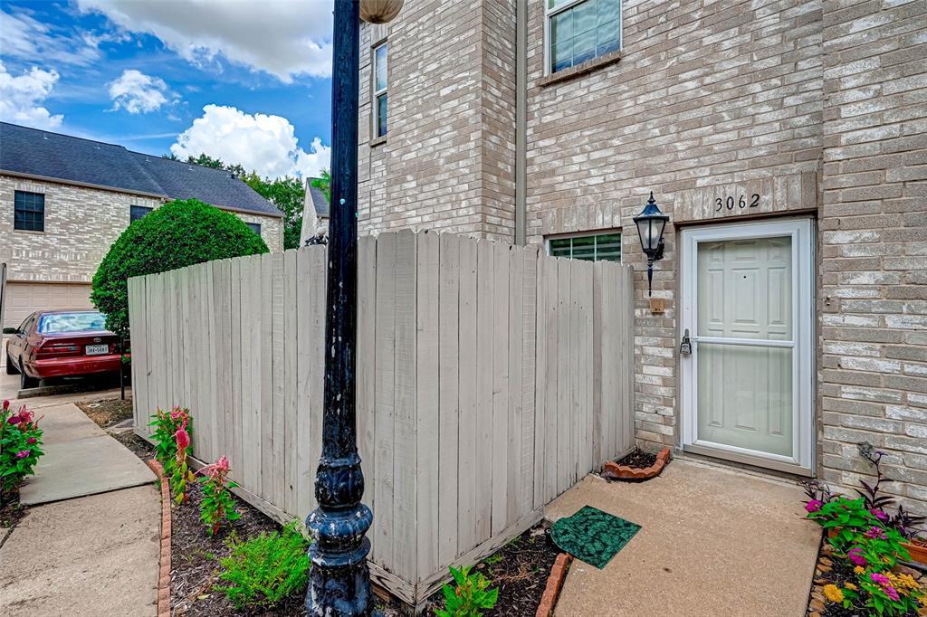 Option Pending   3062 Holly Hall Street Houston, Texas 77054 5
