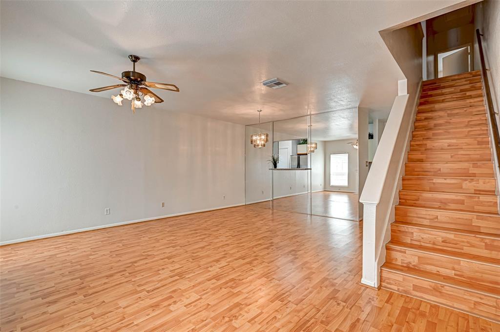 Option Pending   3062 Holly Hall Street Houston, Texas 77054 8