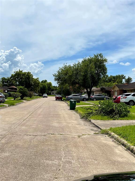 Active   11814 Bay Cedar Drive Houston, Texas 77048 3