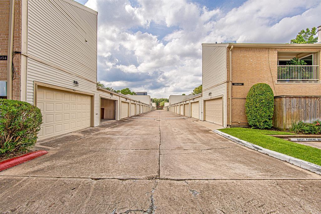 Active | 1934 Augusta Drive #8/22 Houston, Texas 77057 20