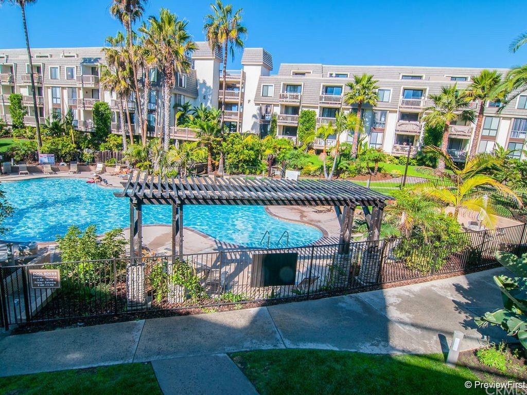 Pending | 999 N Pacific Street #B200 Oceanside, CA 92054 15