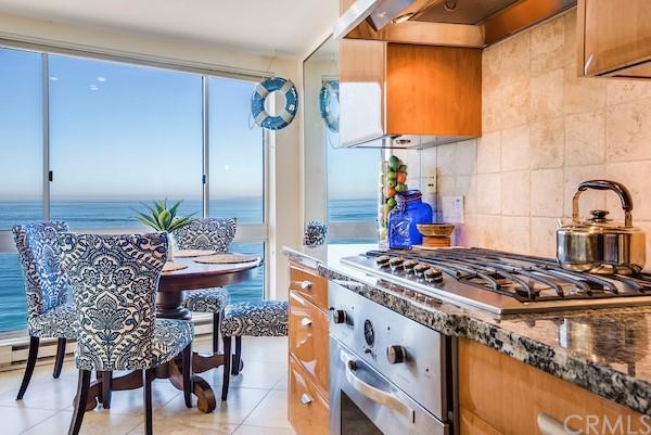 Active | 565 Esplanade #216 Redondo Beach, CA 90277 11