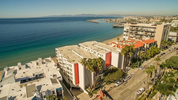 Active | 565 Esplanade #216 Redondo Beach, CA 90277 28