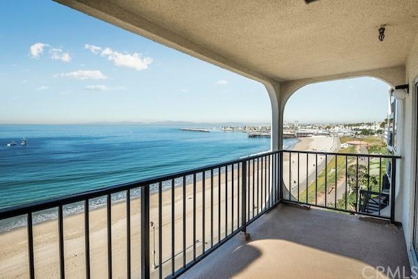 Active | 565 Esplanade #216 Redondo Beach, CA 90277 3