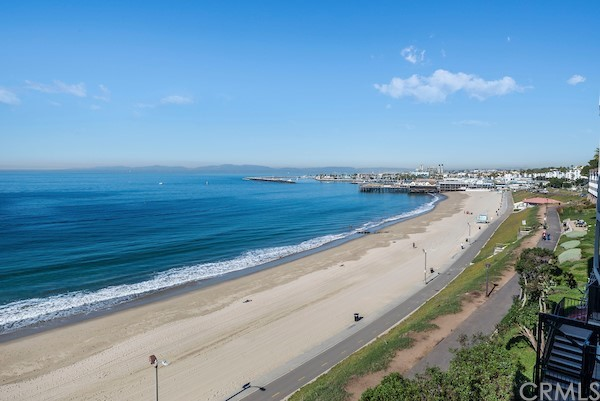 Active | 565 Esplanade #216 Redondo Beach, CA 90277 18