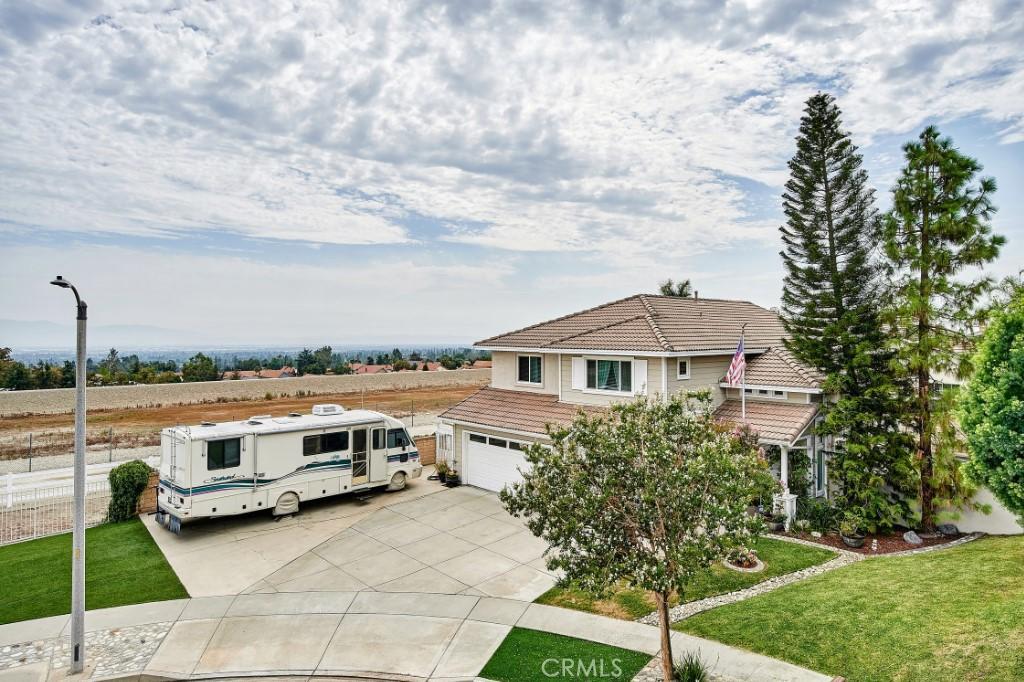 ActiveUnderContract   6090 San Felipe Court Rancho Cucamonga, CA 91737 5