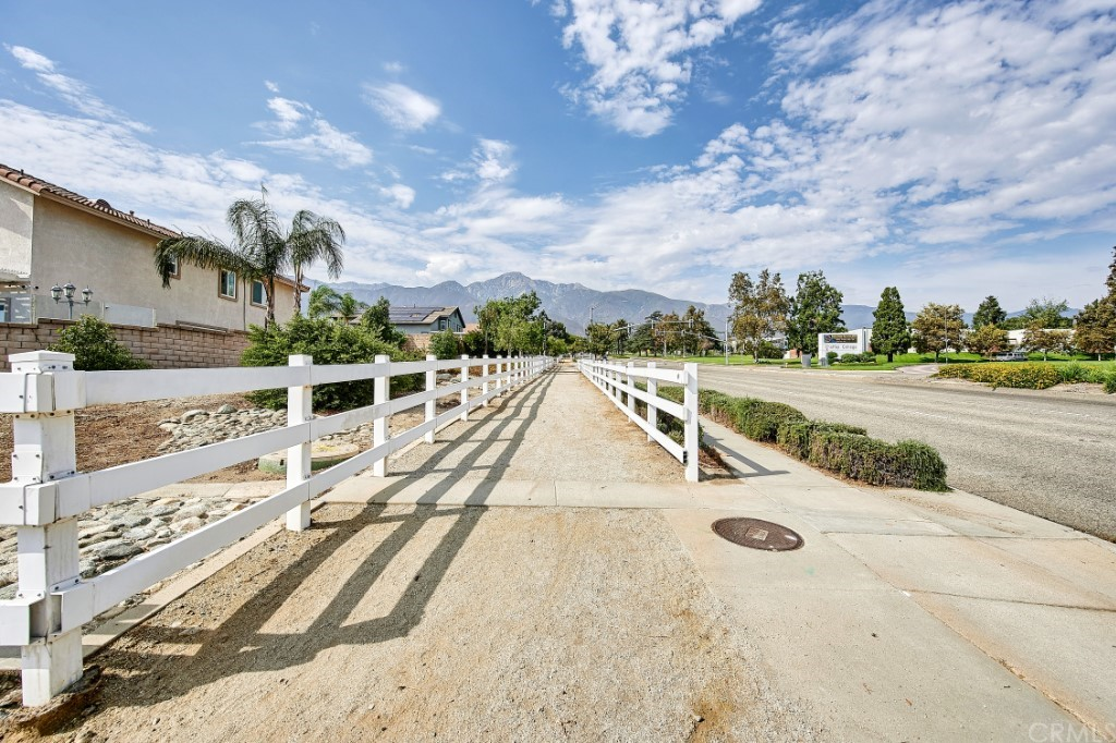 ActiveUnderContract   6090 San Felipe Court Rancho Cucamonga, CA 91737 49