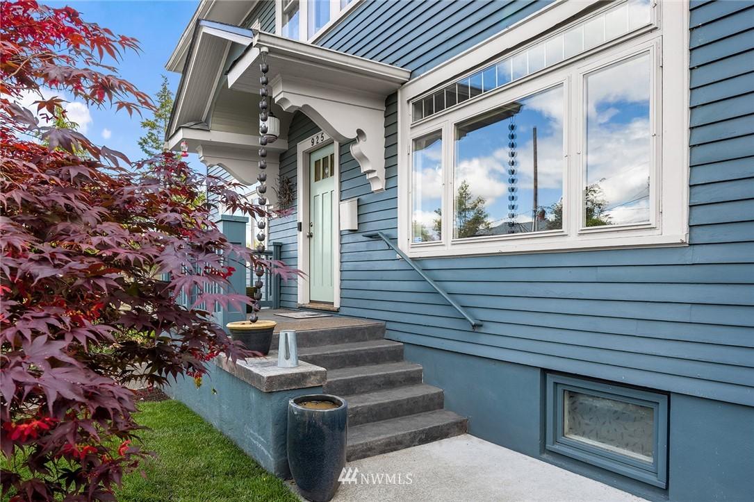 Pending   925 N 70th Street Seattle, WA 98103 1