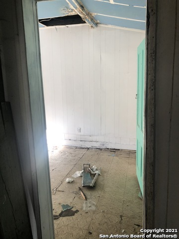 Active Option   309 MONTEZUMA ST San Antonio, TX 78207 3