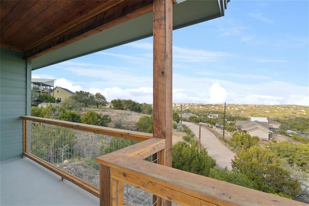 ActiveUnderContract   17837 Panorama Drive Dripping Springs, TX 78620 1