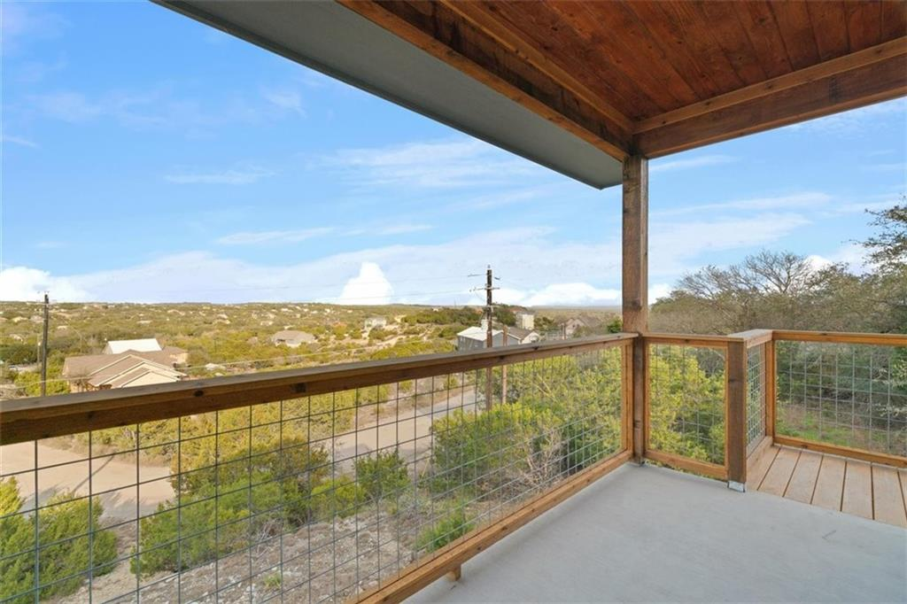 ActiveUnderContract   17837 Panorama Drive Dripping Springs, TX 78620 4